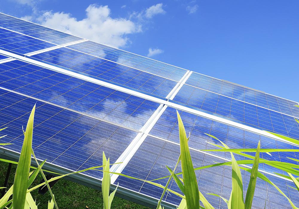 Aurinkosähkö on loputonta, päästötöntä ja äänetöntä.